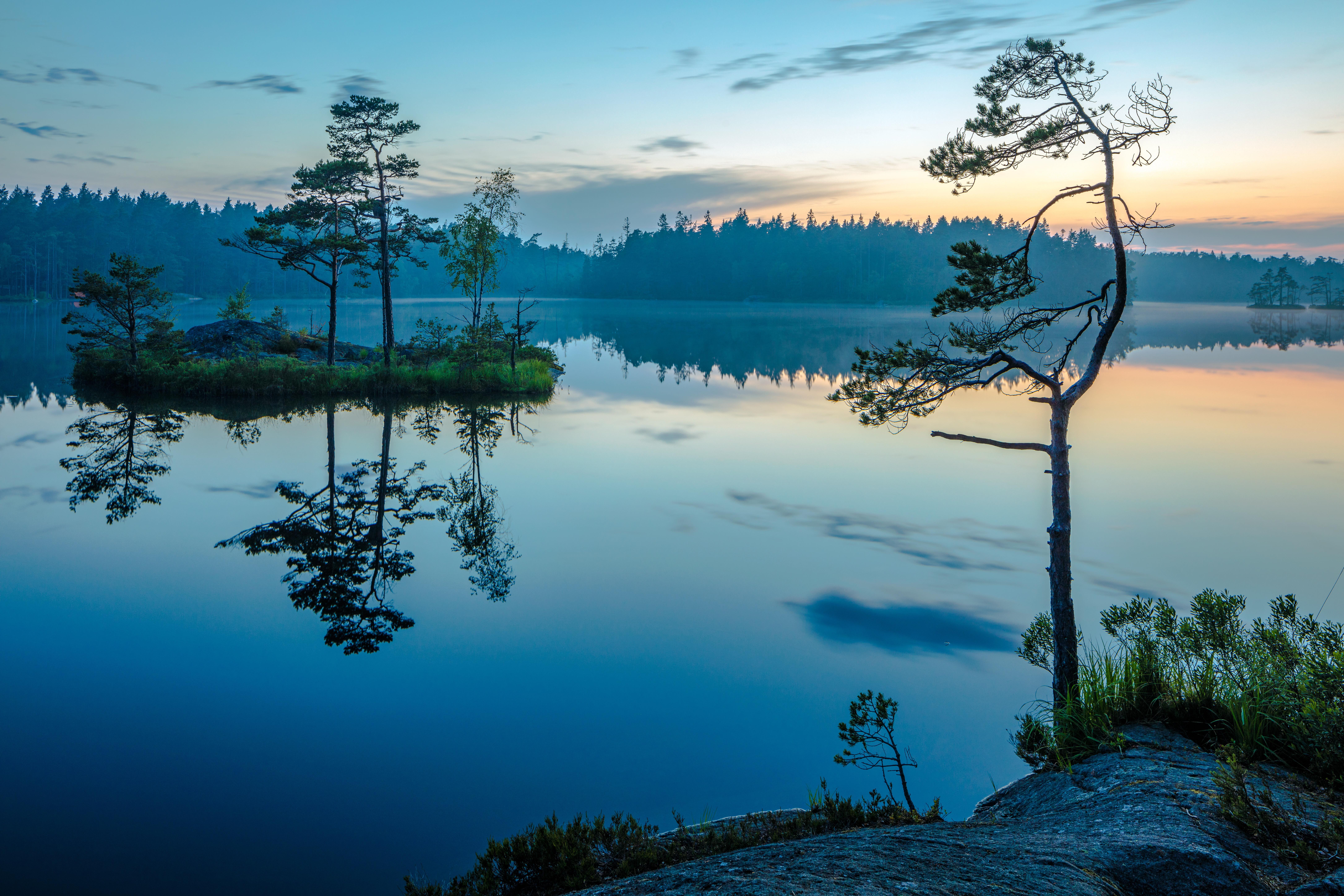 обои полночь, зеркальное отображение воды, Национальный парк, Швеция картинки фото