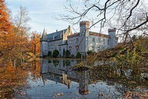 Фото бесплатно Stapelen Castle, Kasteel-Stapelen, Нидерланды, Голландия, Стапелен XIII век, осень, замок, озеро, деревья, пейзаж