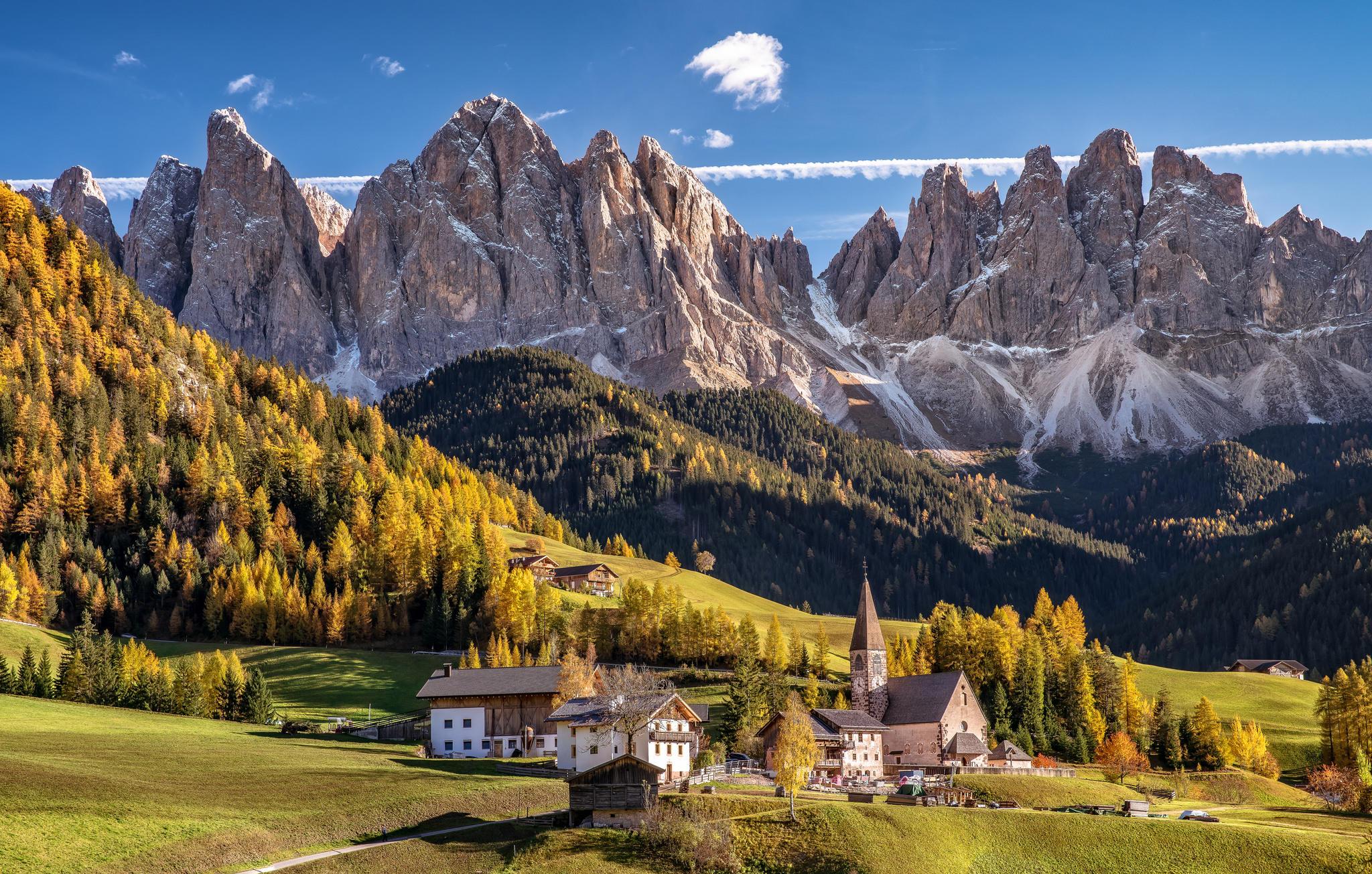обои Доломитовые Альпы, горы, поля, дома картинки фото