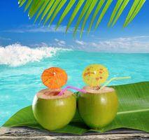 Фото бесплатно море, кокосы, коктейли