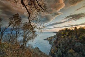 Обои Scarborough Bluffs Park, Toronto, Canada, закат, водоём, осень, скалы, деревья, пейзаж