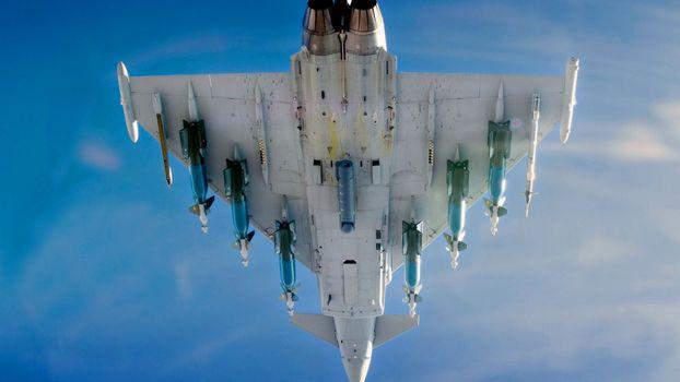 Фото бесплатно истребитель, ракеты, бомба