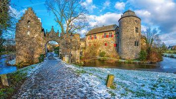 Ратинген, Германия, замок