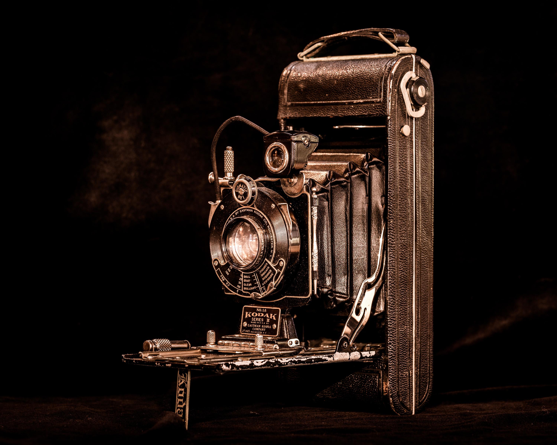 обои фотоаппарат, камера, чёрный фон картинки фото