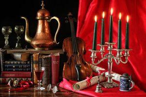 Бесплатные фото натюрморт,скрипка,книги,свечи,подсвечник,ноты,бокал