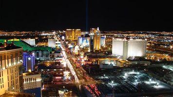 Бесплатные фото ночь,дома,здания,улицы,автомобили,фонари,огни