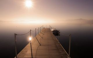 Фото бесплатно озеро, пристань, мостик, лодка, небо, солнце