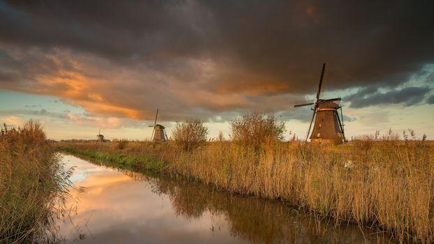 Нидерланды, Alblasserwaard, Kinderdijk, водоём, мельница