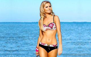 Photo free blonde, sexy girl, bikini