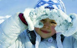 Бесплатные фото девочка,фото,зима,снег,варежки,рукавицы,румянец