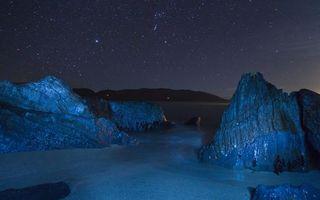 Бесплатные фото ночь, берег, вода, камни, скалы, небо, звезды