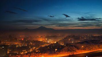 Фото бесплатно ночь, небо, облака, горы, дорога, фонари, свет, пейзажи