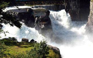 Бесплатные фото вода,река,небо,водопад,камни,горы,трава