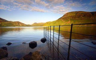 Бесплатные фото берег,камни,ограда,озеро,холмы,сопки,природа