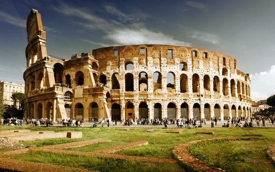 Бесплатные фото колизей,люди,трава,чудо света,экскурсия,поход,рим,древний,руины,развалины,достопримечательность,строение