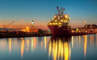 Бесплатные фото корабль,море,океан,вечер,блики,дома,здания