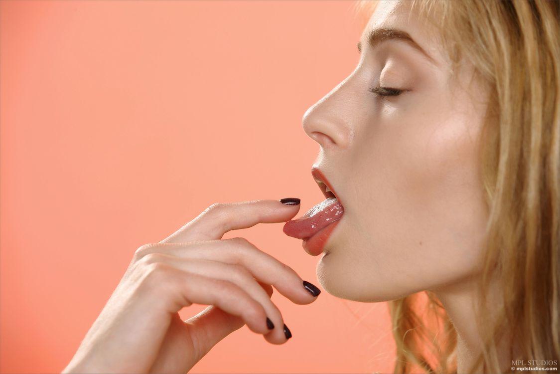 Фото бесплатно Rebecca G, Adrijana, модель, красотка, голая, голая девушка, обнаженная девушка, позы, поза, сексуальная девушка, эротика, эротика