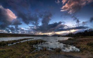 Бесплатные фото река,трава,берег,небо,тучи,облака