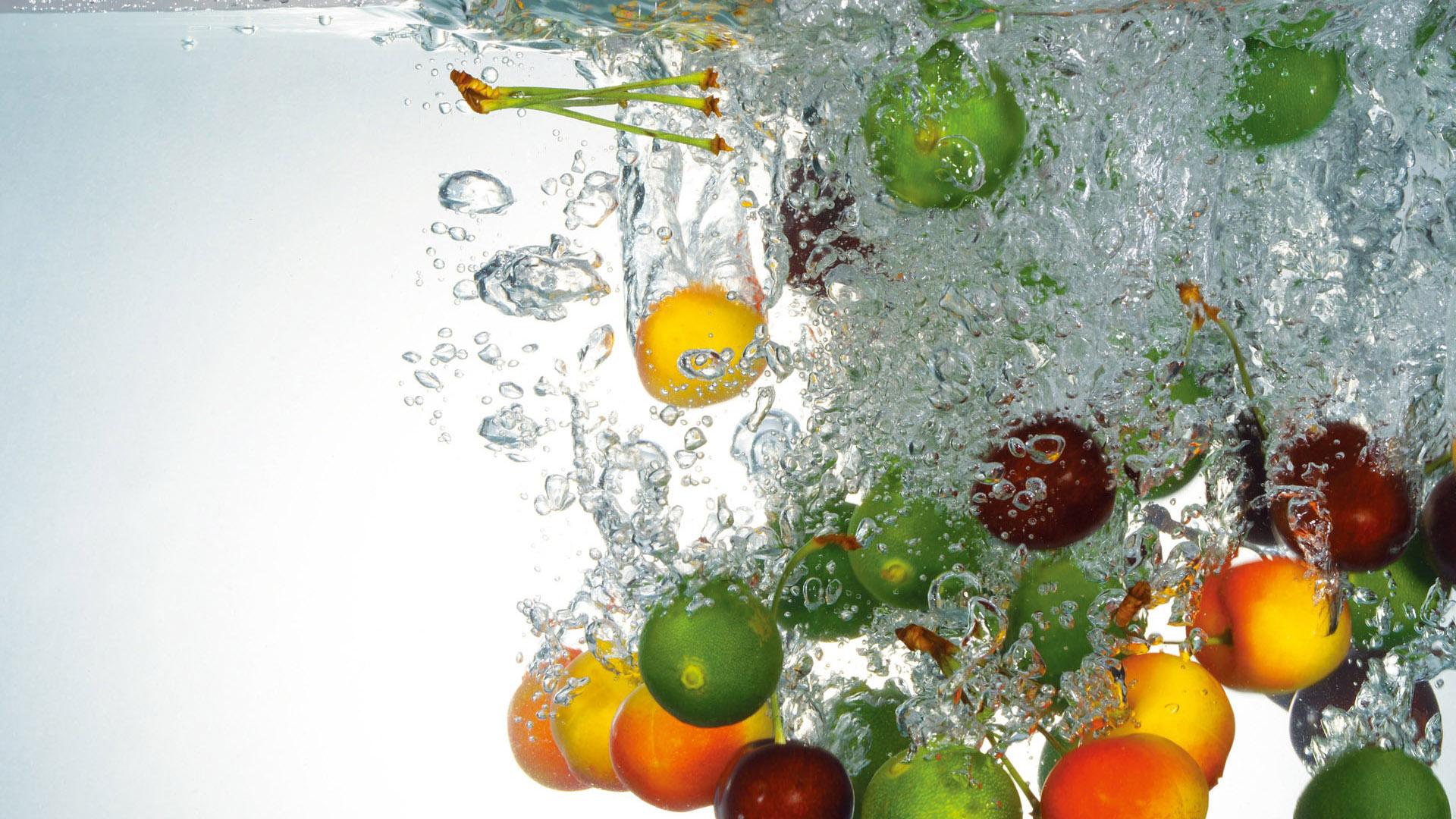 обои вода, капли, пузырьки, фрукты картинки фото