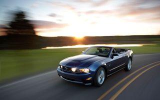 Бесплатные фото автомобиль,колеса,диски,цвет,синий,капот,крыша