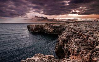 Бесплатные фото берег,скалы,океан,небо,тучи,лучи,солнца
