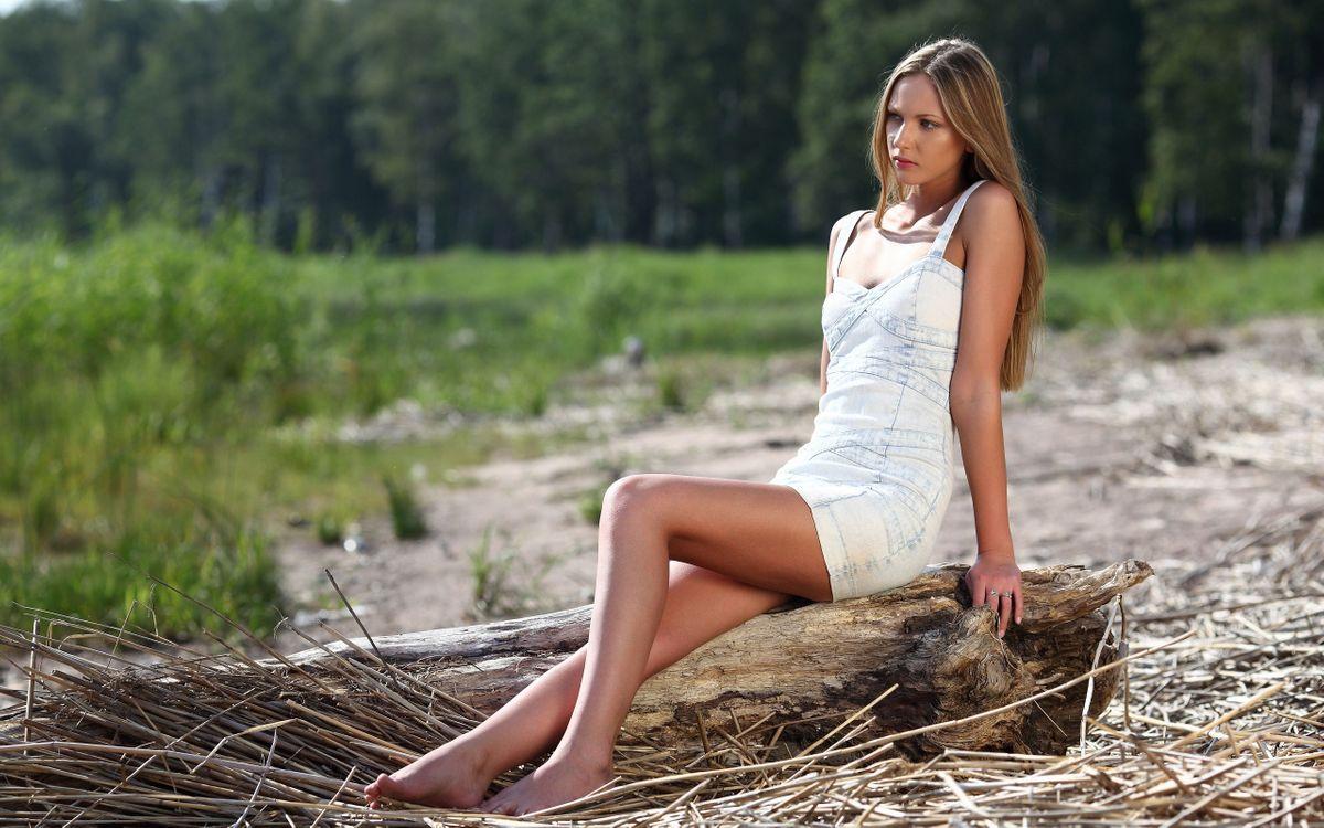 Фото бесплатно девушка, блондинка, берег реки - на рабочий стол