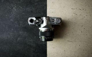 Бесплатные фото фотоаппарат, фотик, зеркалка, объектив, кнопки, корпус, стол