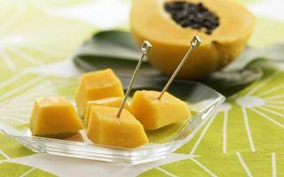 Бесплатные фото шпажка,манго,фрукт,десерт,желтый,тарелка,стол