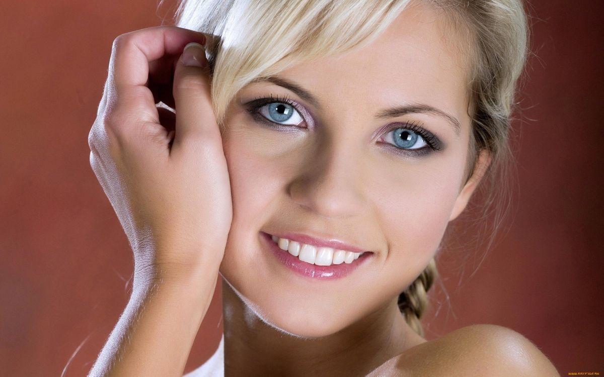 Фото бесплатно блондинка, красивая, улыбка - на рабочий стол