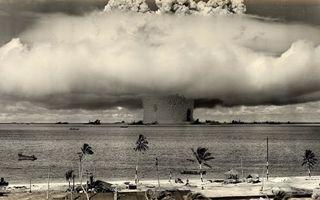 Бесплатные фото взрыв,водородной,бомбы,океан,грибок,пальмы,волна