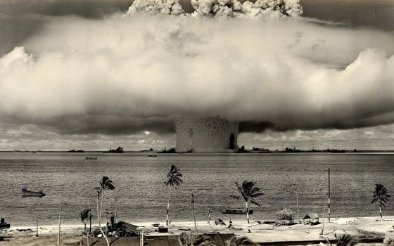 Photo free explosion, hydrogen, bombs