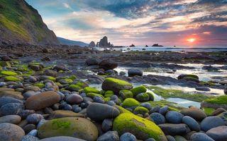 Бесплатные фото камни,вода,море,небо,солнце,облака,восход