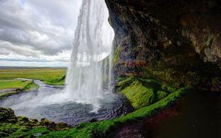 Фото бесплатно река, водопад, брызги, камни, мох, трава, природа