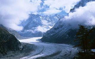 Бесплатные фото снег,туман,горы,склон,камни,дорога,природа