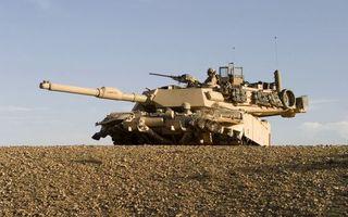 Фото бесплатно танк, башня, ствол, солдаты, пулемет, гусеницы, оружие
