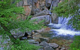 Фото бесплатно вода, река, камни, водопа, горы, скалы, деревья, природа