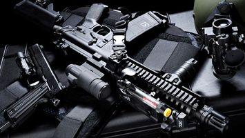 Бесплатные фото автомат,прицел,пистолет,бронежилет,бинокль,нас толе,оружие