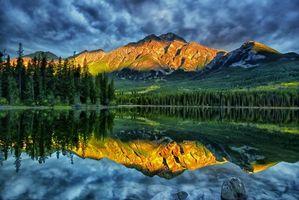 Заставки горы, отражение, река