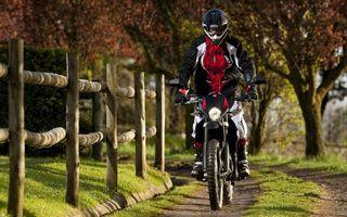 Фото бесплатно мотоциклист, мотоцикл, шлем