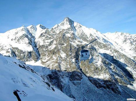Заставки вертолет, горы, снег