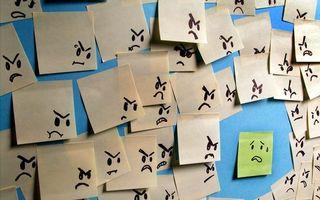 Фото бесплатно смайлики, стена, листы