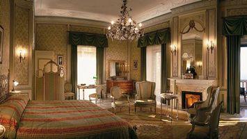 Заставки спальня кровать,люстра,зеркало,стулья,окна,интерьер