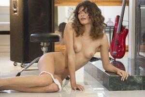 Бесплатные фото Sydney Wolf, красотка, голая, голая девушка, обнаженная девушка, позы, поза