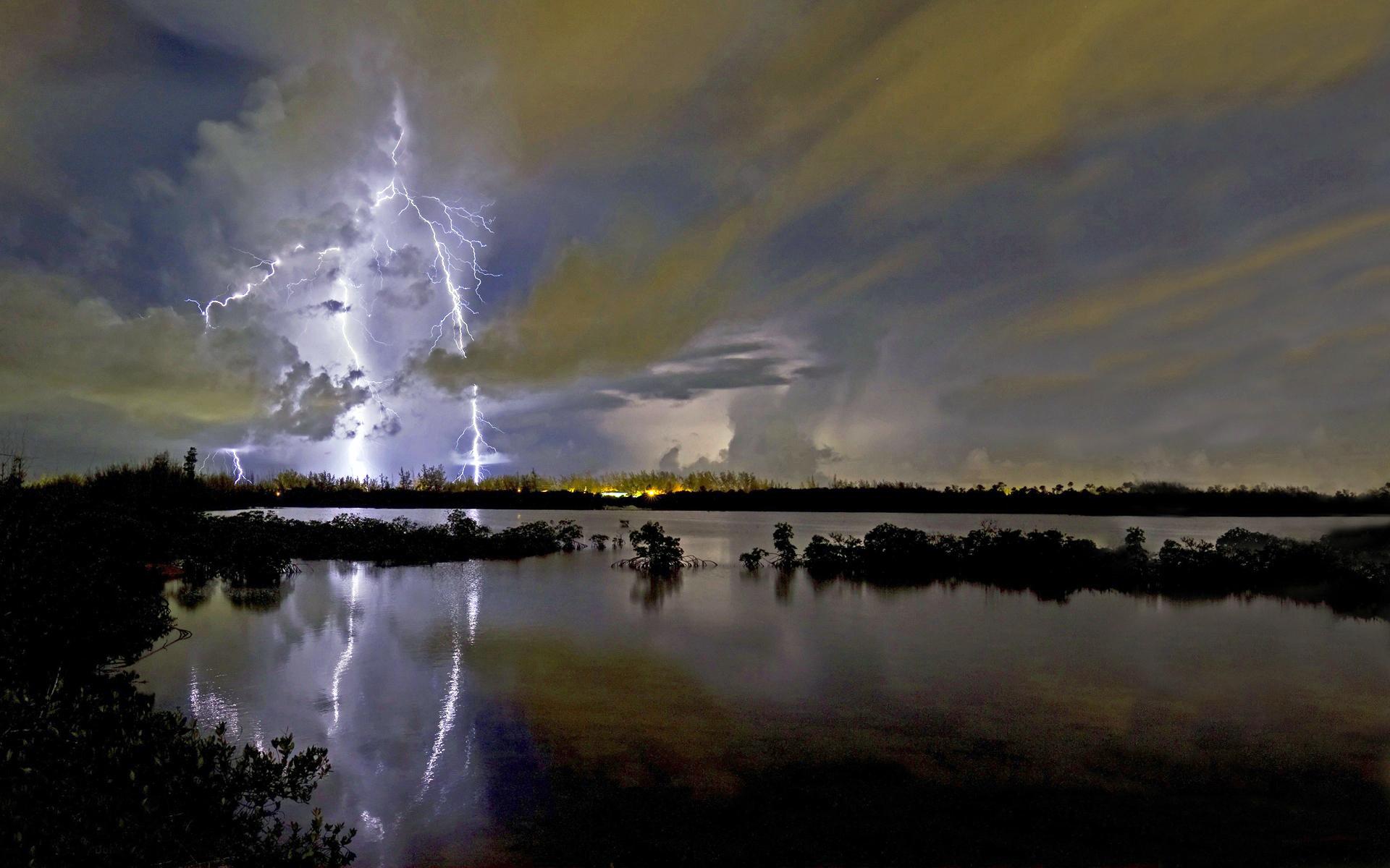 вода, вечер, молния