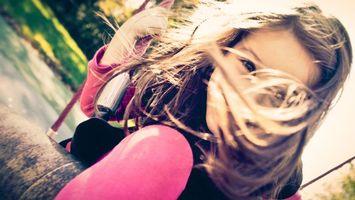 Бесплатные фото девочка,качели,strawberry swing,настроение,девочки,качеля