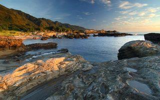 Бесплатные фото берег, камни, горы, море, небо, облака