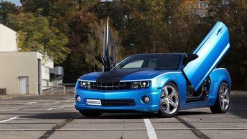 Обои chevrolet, camaro, синий, металлик, черная, полоса, ламбо-двери, большие, диски, резина, машины