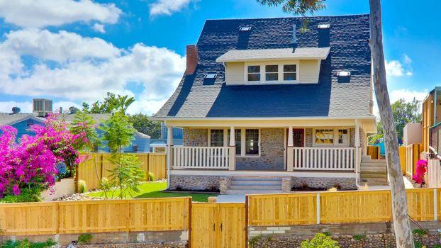 Фото бесплатно дом, сан-диего, улица, забор, балкон, крыша, двери, лестница, окно, лето, газон, сша