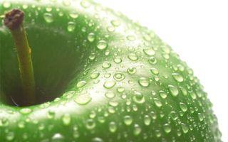 Обои фрукт, яблоко, зеленое, хвостик, капли, вода, макро