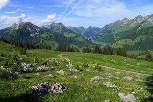 Бесплатные фото горы,камни,трава,небо,облака,зелень,дорога